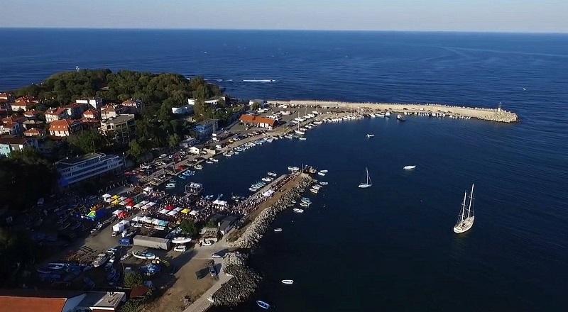 порт 1 1 - В Царево смогут швартоваться большие яхты
